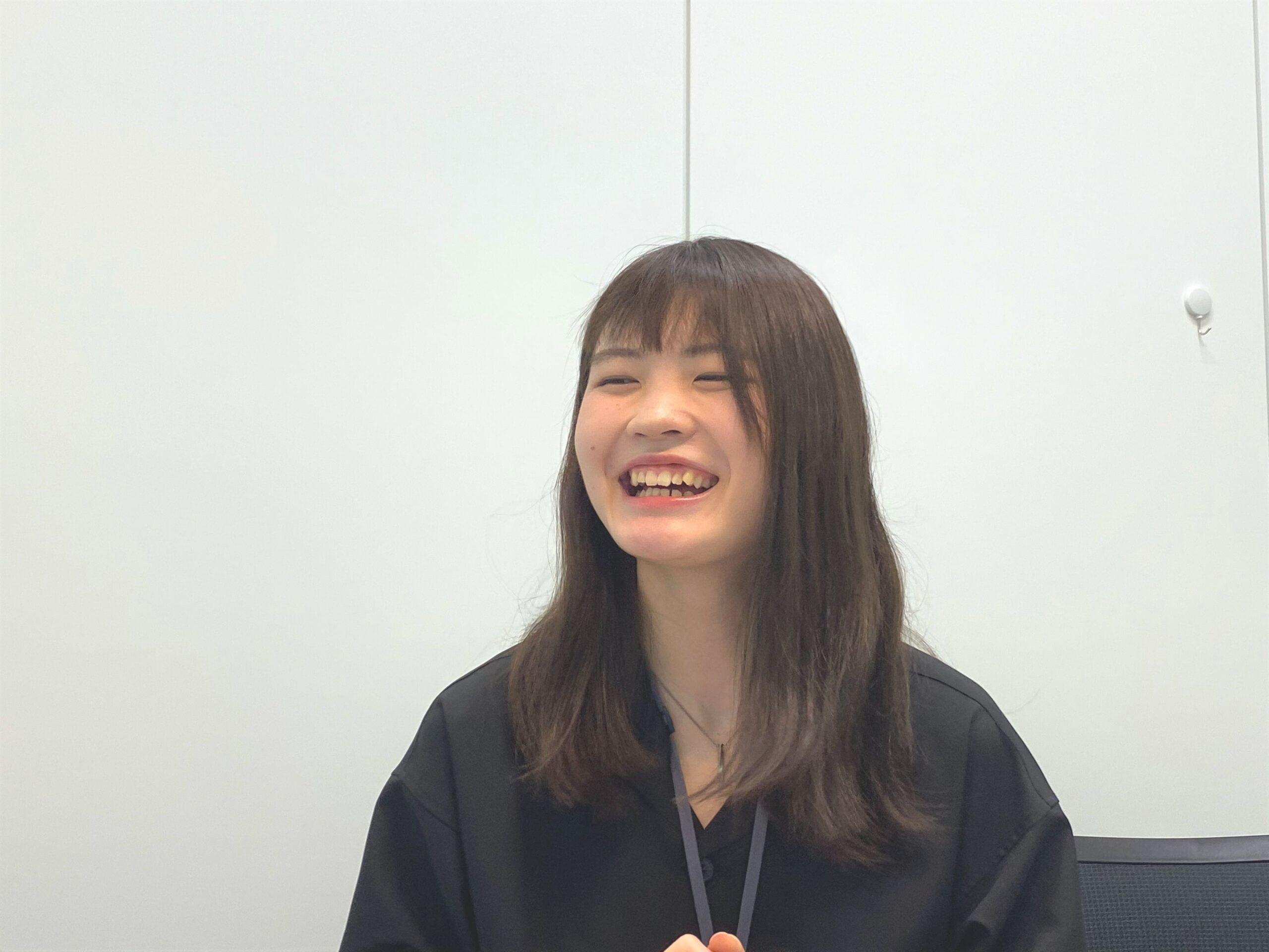 インタビュー中・門間さん6