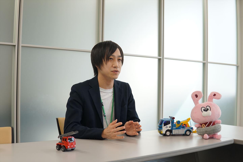 インタビュー中・吉田さん5